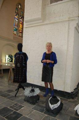 Bergkerk, jurk en kragen