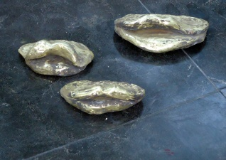 bronzen monden