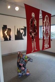 äusbrenner rood in kunsthuis